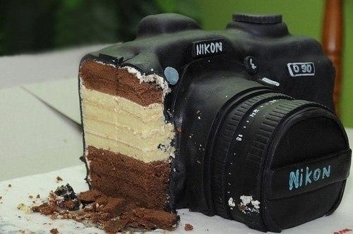 Торт в виде фотоапарата