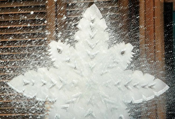 Как сделать снежинку и на стекле