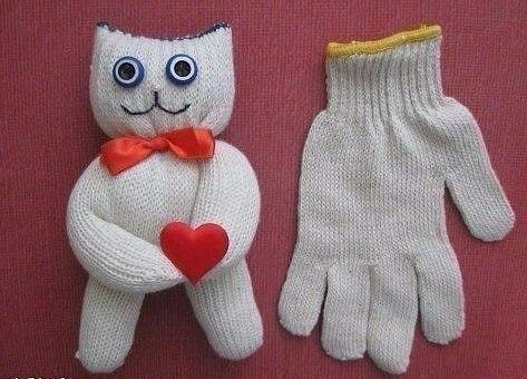 Игрушка из носка и перчаток своими руками с фото инструкцией