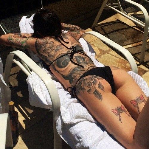 5Транс трахает татуированную бабу