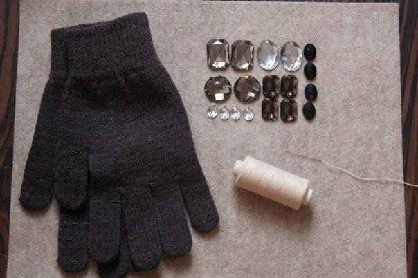 Как украсить перчатки стразами своими руками 74