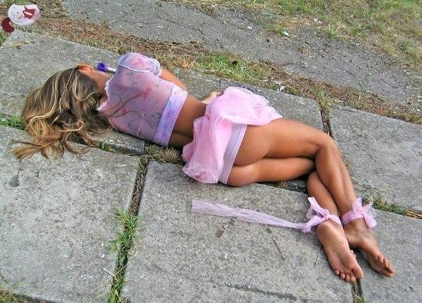 фото выпускницы прошли голыми по улице