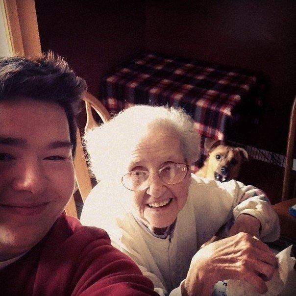 Стаушка сняла трусы и стала раком перед сыном фото 290-215