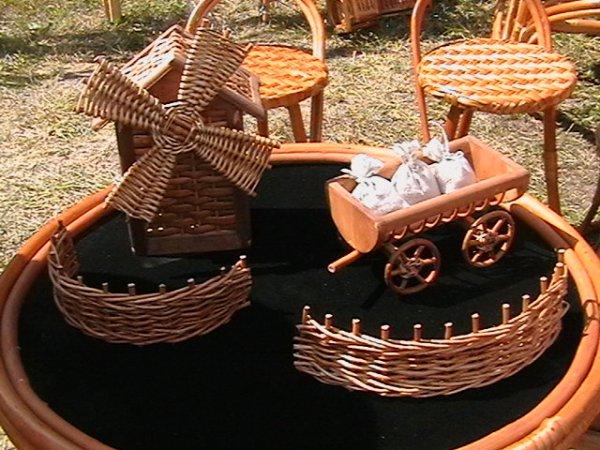 Игрушки из ивы